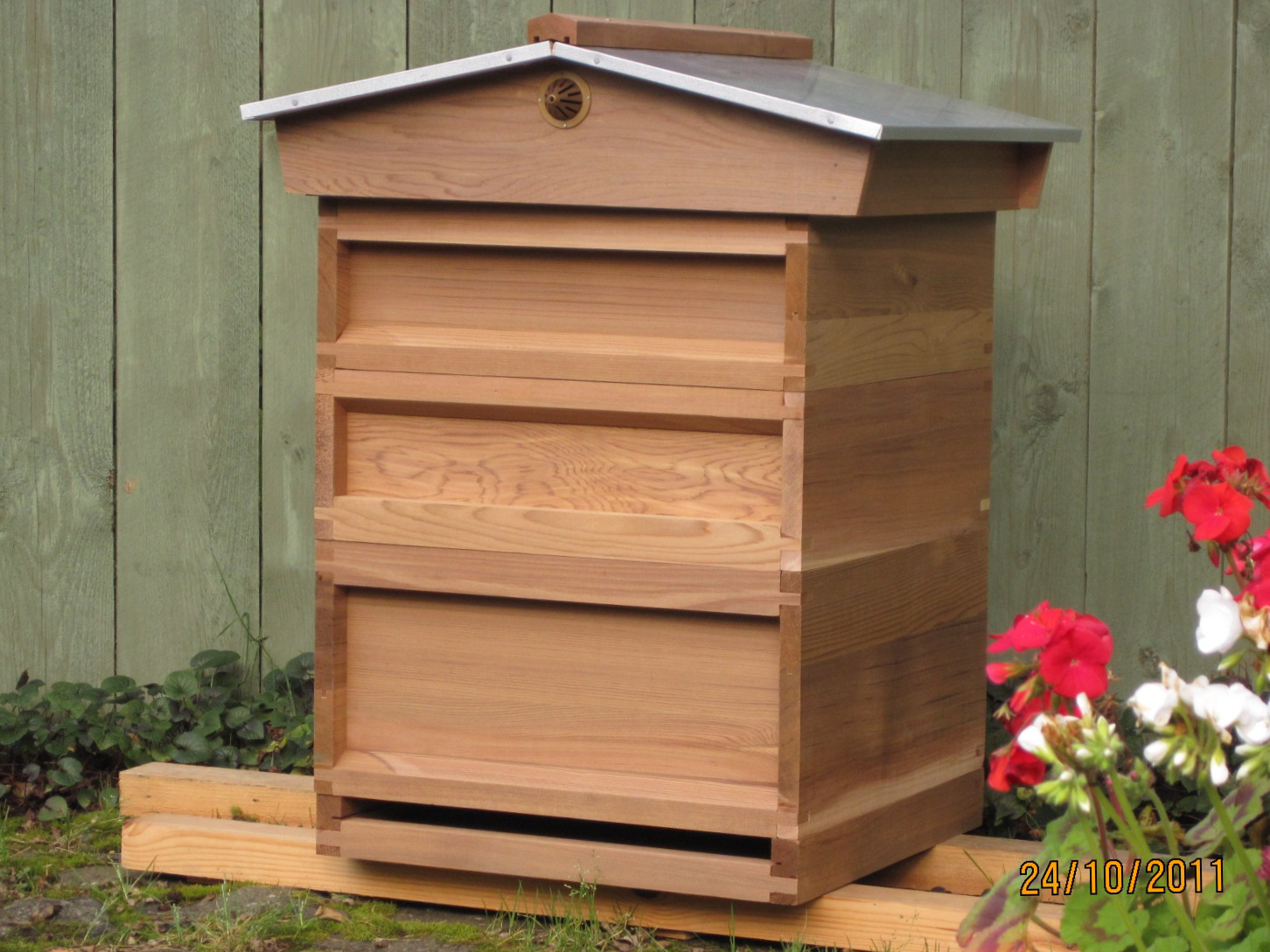 Hive Stand Designs : Popular national bee hive stand plans adrian s